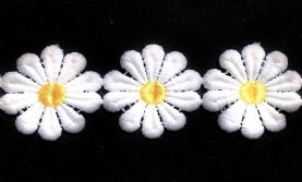 Giant 40mm Vintage Daisy Lace Trim in 2 Colours